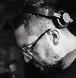 Adrian Łączkowski DJ Bolo Miniaturka